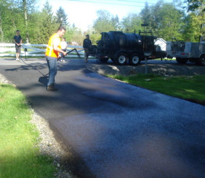 Asphalt Sealer: Seattle Driveway & Parking Lot Sealcoating | Road's Paving - sealcoat2
