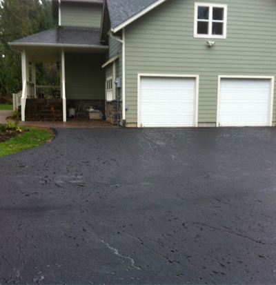 Asphalt Sealer: Seattle Driveway & Parking Lot Sealcoating | Road's Paving - sealcoat4